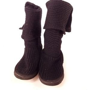 UGG | Cardy Black 3 Button Ugg Boots